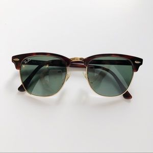 Ray-Ban Clubmaster Classic • Tortoise Color